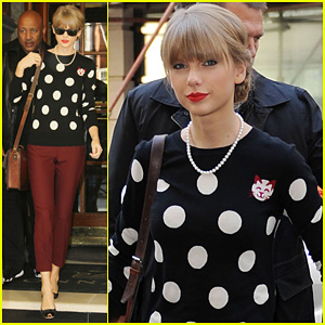 Taylor Swift: 'Red' Sales are 'Unbelievable'!