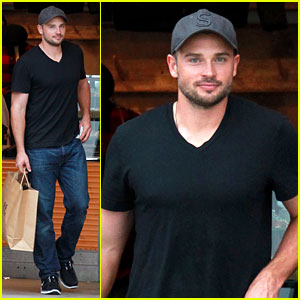 Tom Welling: Short Buzz Cut at Double RL & Co. Store!