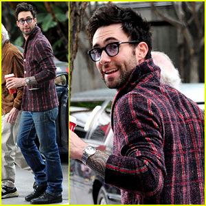 Adam Levine: Christmas Day Lakers Game!