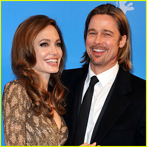 Brad Pitt & Angelina Jolie: Family Vacation to Turks & Caicos!