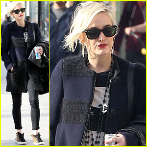Ashlee Simpson: Tis the Season!