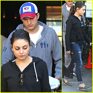 Ashton Kutcher & Mila Kunis: Bossa Nova Lunch Lovers!