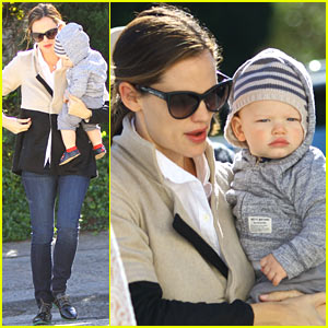 Jennifer Garner: Shopping with Samuel!