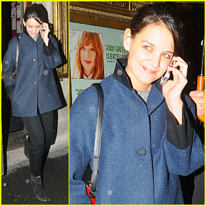 Katie Holmes Rains on 'Dead Accounts'!