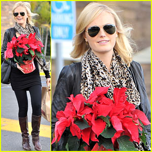 Malin Akerman: Gelson's Holiday Shopper!