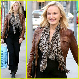 Malin Akerman: Kitson Christmas Shopper!