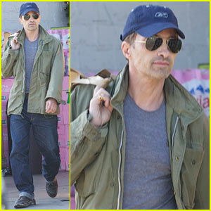 Olivier Martinez: Monday Grocery Run!