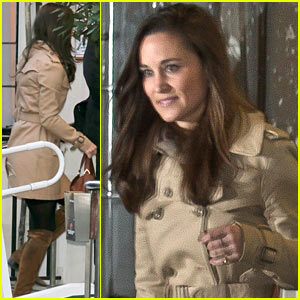 Pippa Middleton Visits Pregnant Sister Kate Middleton in Hospital