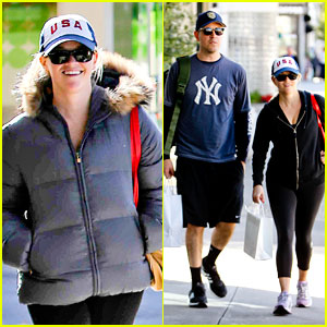 Reese Witherspoon: Christmas Shopping with Jim Toth!