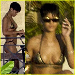 Rihanna: Bikini Babe in Barbados!