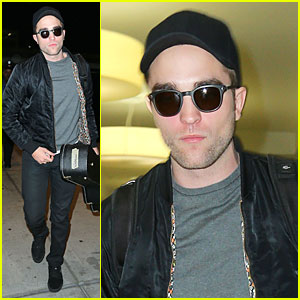 Robert Pattinson: Guitar Arrival at JFK Airport!
