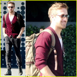 Ryan Gosling Wears New Sweater for Breakfast!