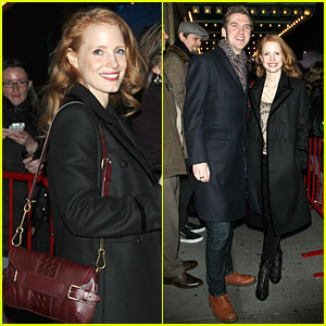 Jessica Chastain & Dan Stevens: 'Heiress' Autograph Signing!