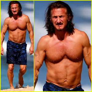 Sean Penn: Shirtless Buff Beach Body!