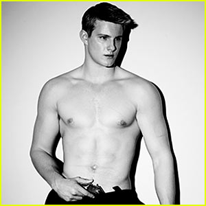 Alexander Ludwig: Shirtless for 'Final Girl' - First Look!