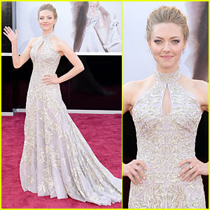 Amanda Seyfried - Oscars 2013 Red Carpet