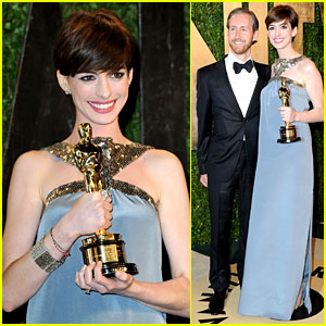 Anne Hathaway & Adam Shulman - Vanity Fair Oscars Party 2013