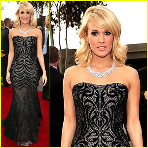 Carrie Underwood - Grammys 2013 Red Carpet