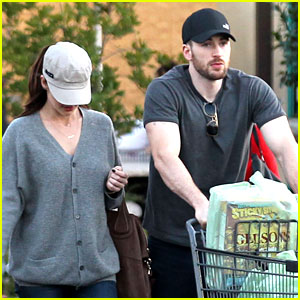 Chris Evans & Minka Kelly: Valentine's Day Grocery Shopping!