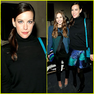 Elizabeth Olsen & Liv Tyler: Proenza Schouler Fashion Show!