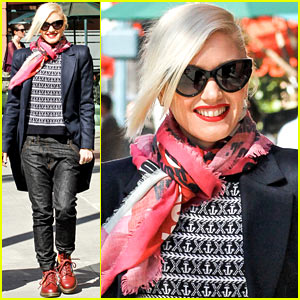 Gwen Stefani: Group Shopping Spree!