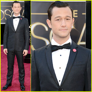 Joseph Gordon-Levitt - Oscars 2013 Red Carpet
