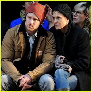 Robin Wright & Ben Foster: Jen Kao Fashion Show!