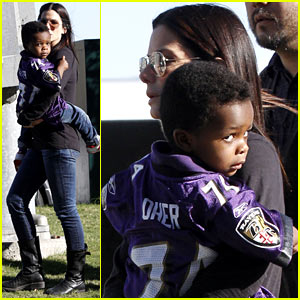 Sandra Bullock & Louis: Ravens Pride at Super Bowl 2013!