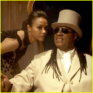 Zoe Saldana & Stevie Wonder: Bud Light Super Bowl Commercial 2013 (Video)