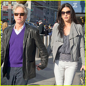 Catherine Zeta-Jones & Michael Douglas: 'Newsies' Musical Date!