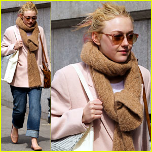 Dakota Fanning: Isabel Marant Shopper!