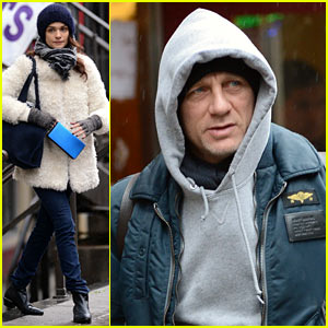 Daniel Craig & Rachel Weisz: Separate Rainy Day Outings!