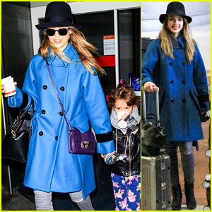 Jessica Alba: Paris Arrival with Honor!