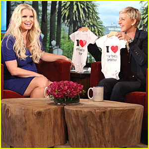 Jessica Simpson: Fewer Cravings in Second Pregnancy!