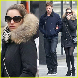 Kelly Brook & Danny Cipriani Link Arms in London!