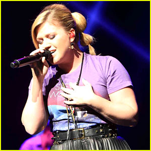 Kelly Clarkson: Opportunity Education Benefit Concert