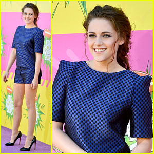Kristen Stewart - Kids' Choice Awards 2013 Red Carpet