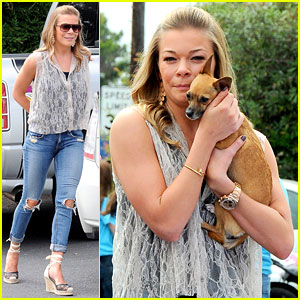 LeAnn Rimes: Pet Adoption Stan