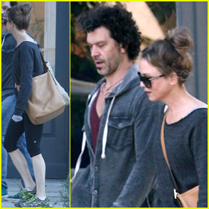 Renee Zellweger & Doyle Bramhall II: Errands Run!