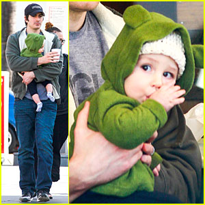 Brandon Routh: Lunch with Baby Boy Leo!