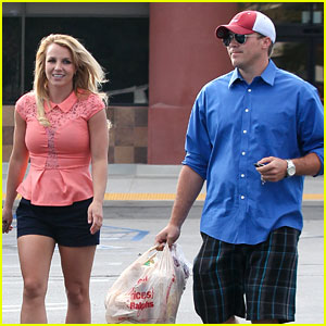 Britney Spears & David Lucado: Saturday Ralphs Run!