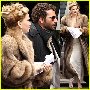 Jennifer Lawrence & Bradley Cooper Reunite for 'David O. Russell'