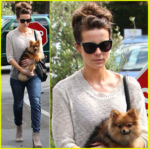 Kate Beckinsale: Brentwood Country Mart Beauty!