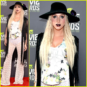 Ke$ha - MTV Movie Awards 2013 Red Carpet