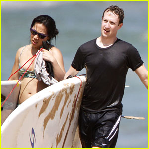Mark Zuckerberg & Priscilla Chan: Surfing in Hawaii!