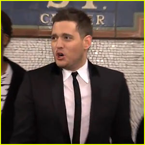 Michael Buble Sings Acapella in NYC Subway - Watch Now!