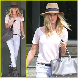 Rosie Huntington-Whiteley: British Girls Love a Good Vintage Find!