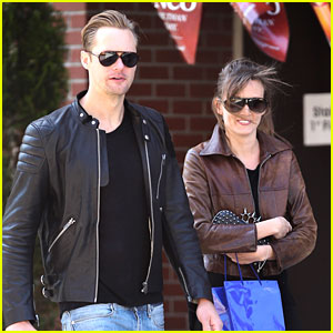 Alexander Skarsgard: Big Apple Stroll with Mystery Gal!