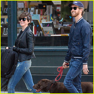 Anne Hathaway & Adam Shulman: Brooklyn Dog Walk
