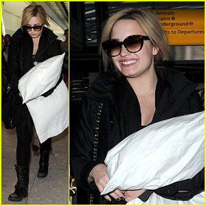 Demi Lovato: Shout Out to My Fans in London!